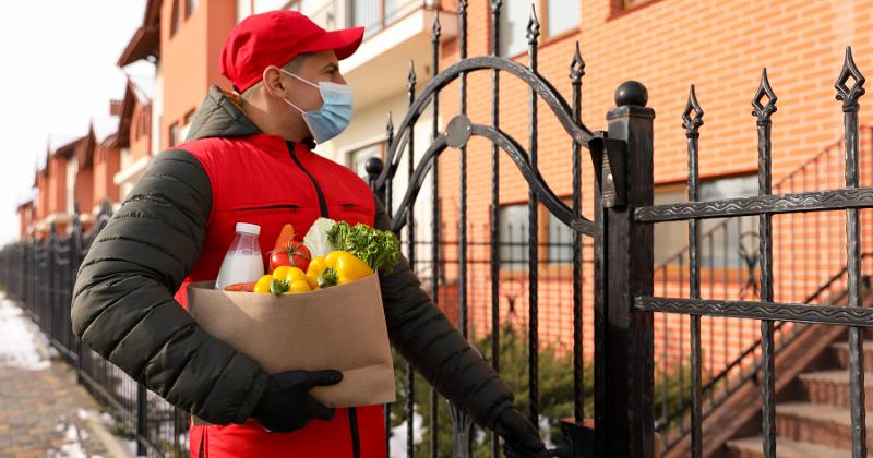 Grocery delivery courier