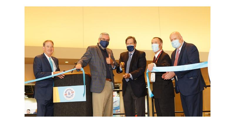 Sweets & Snacks Expo ribbon cutting