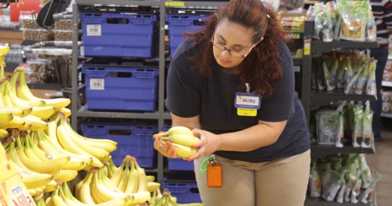 Walmart grocery order picking