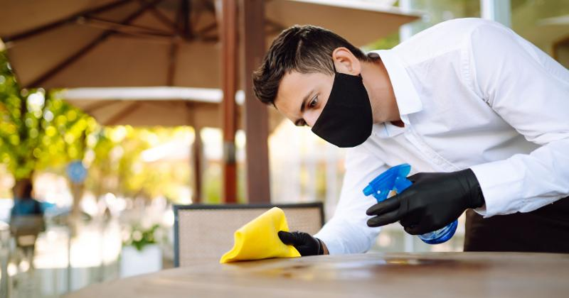 Waiter cleaning