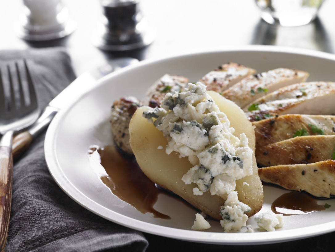 chicken with pears and blue cheese