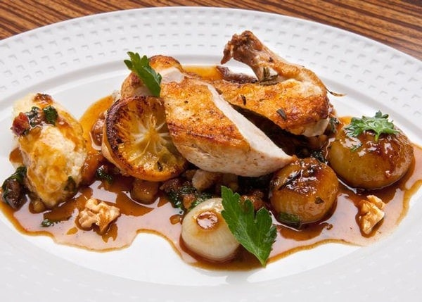 Chicken with dates and walnuts