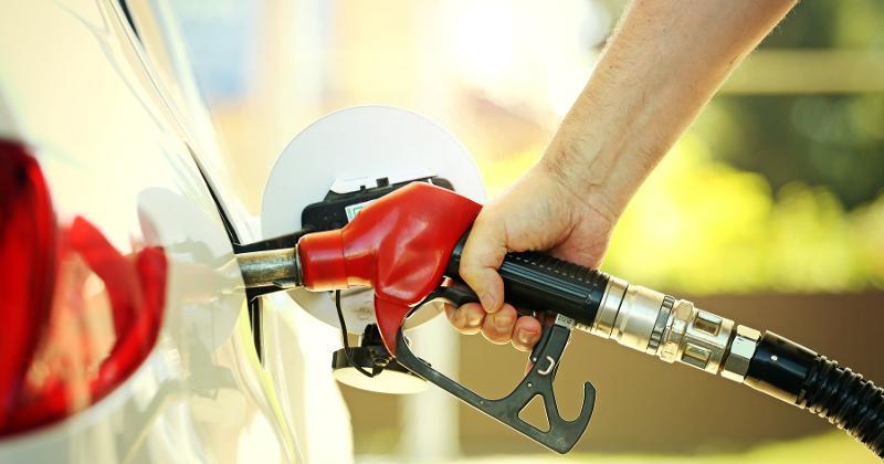 fuel nozzle in car