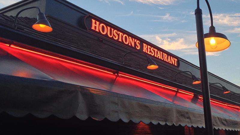 houstons restaurant sign