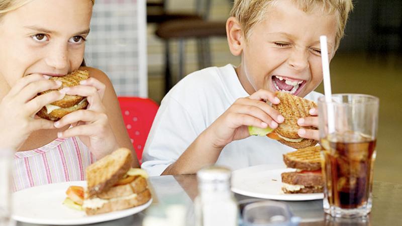 kids restaurant sandwiches pop