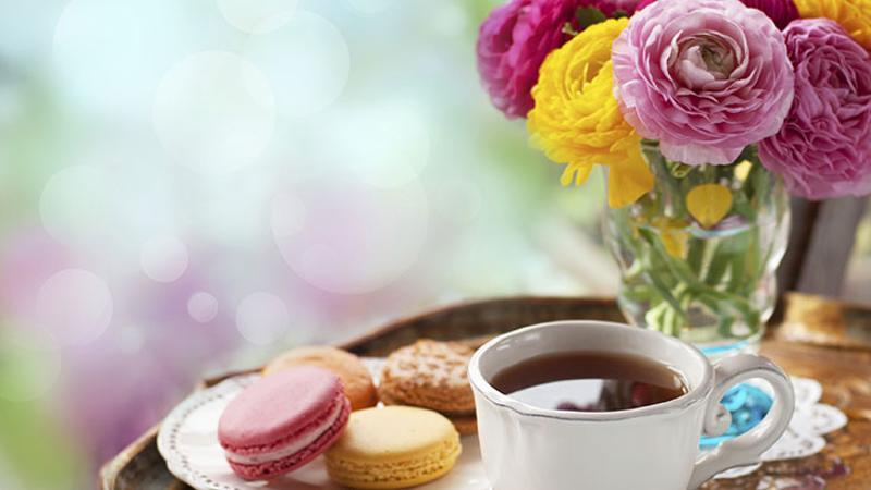 spring flowers tea macarons