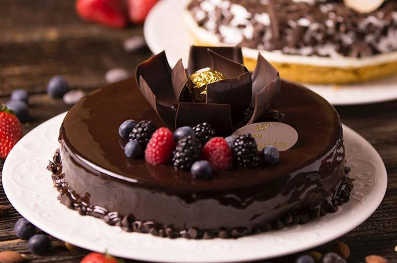 85c bakery chocolate raspberry cake