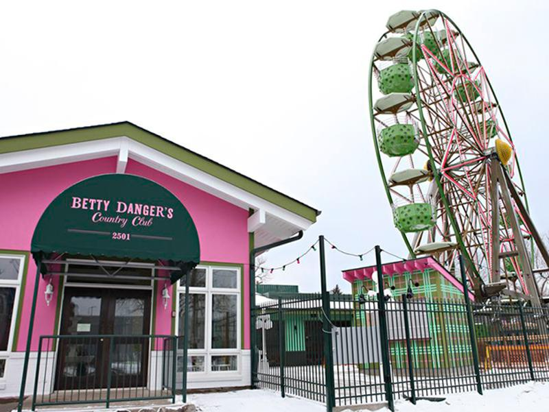 betty dangers day exterior