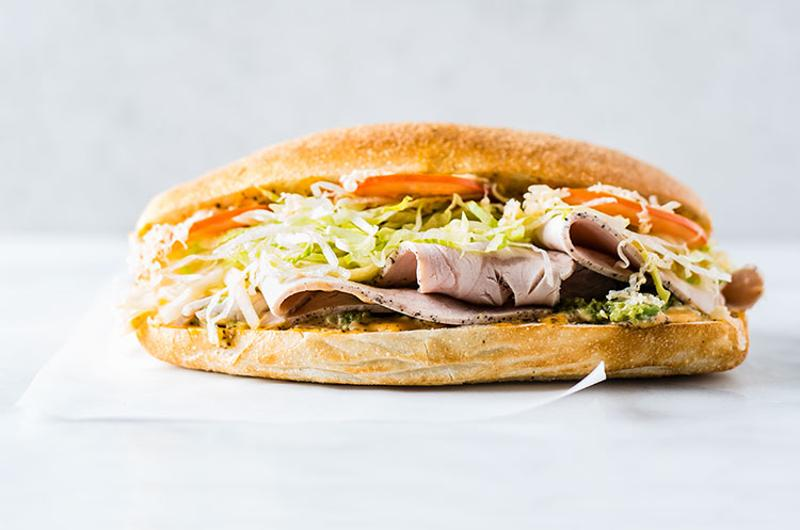 make sandwich turkey gouda