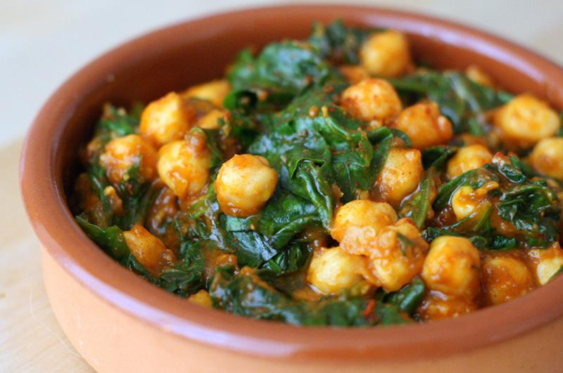 Spinach Chickpea Cazuela with cumin and roasted garlic
