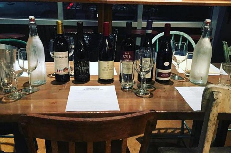animale wine class table