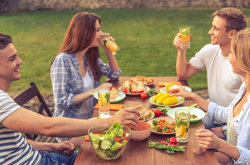 bbq summer millennials picnic