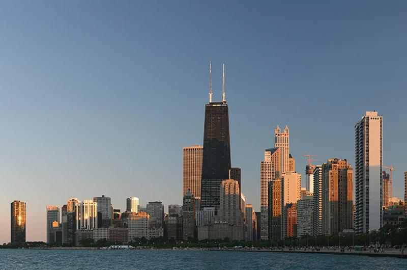 chicago lakefront skyline