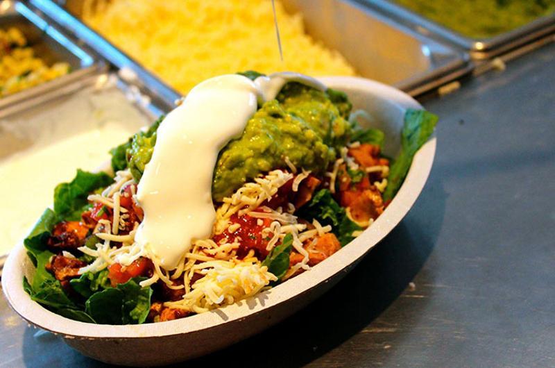 chipotle burrito bowl prep line