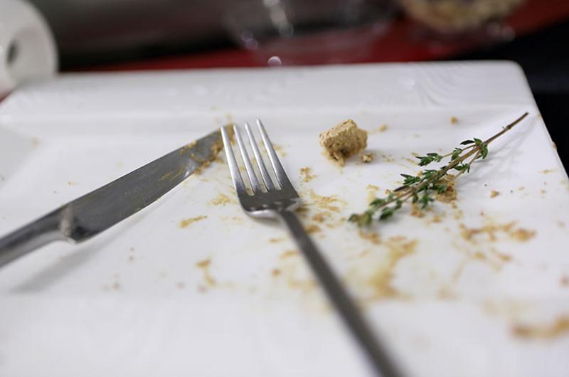 clean plate scraps fork knife