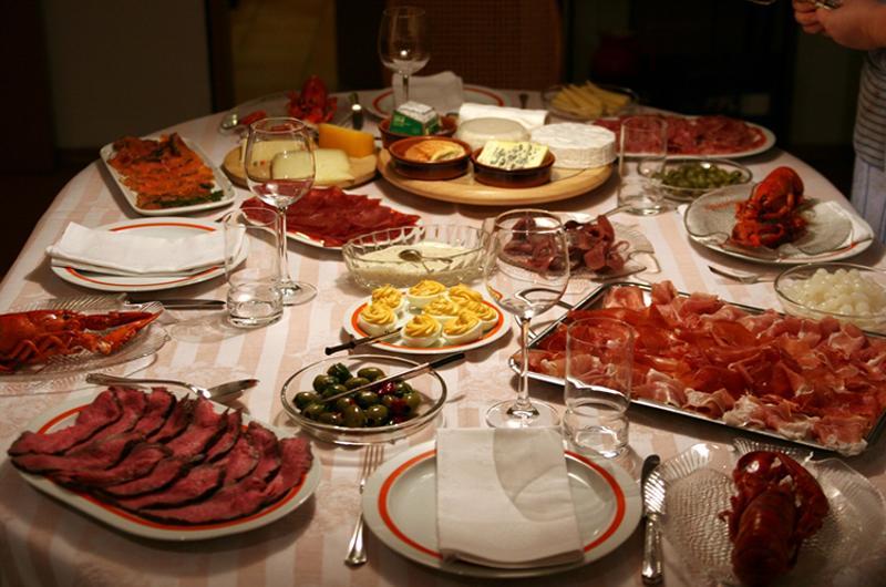 dinner table family style