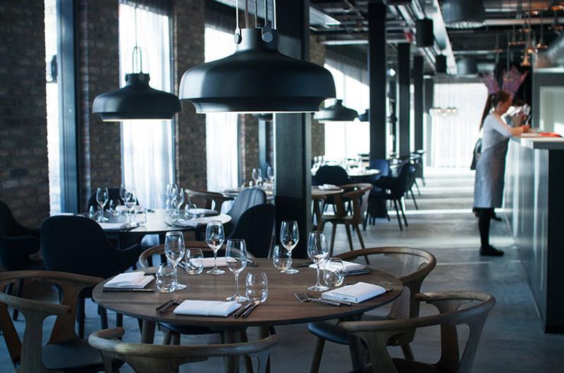 empty restaurant table