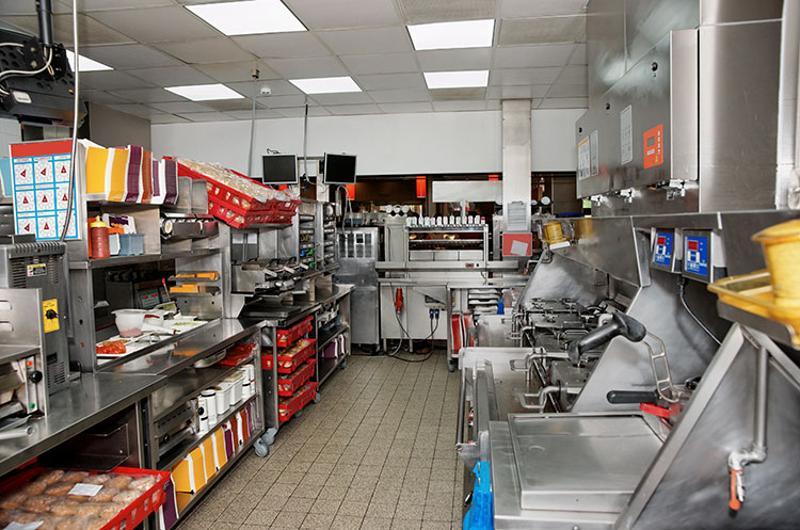 clean fast food kitchen