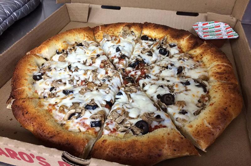 figaros mushroom pizza