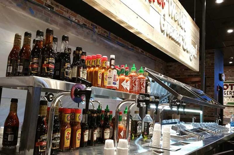 fuddruckers toppings bar