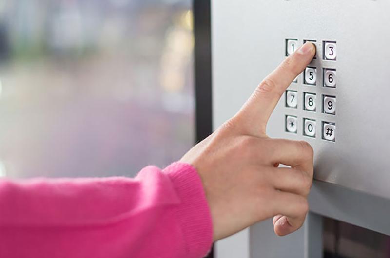 hand pad vending machine