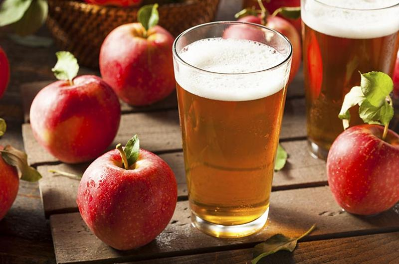 hard cider glass apples