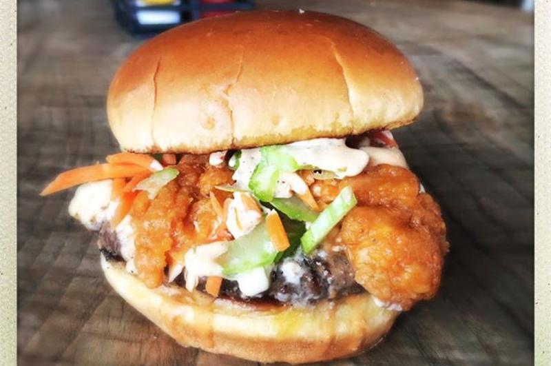 holy cow del ray bar room brawler burger