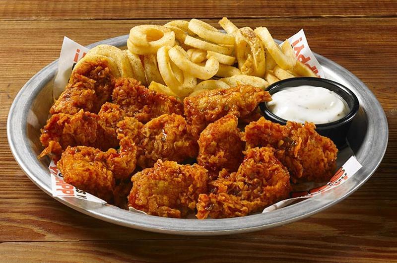 hooters boneless wings fries
