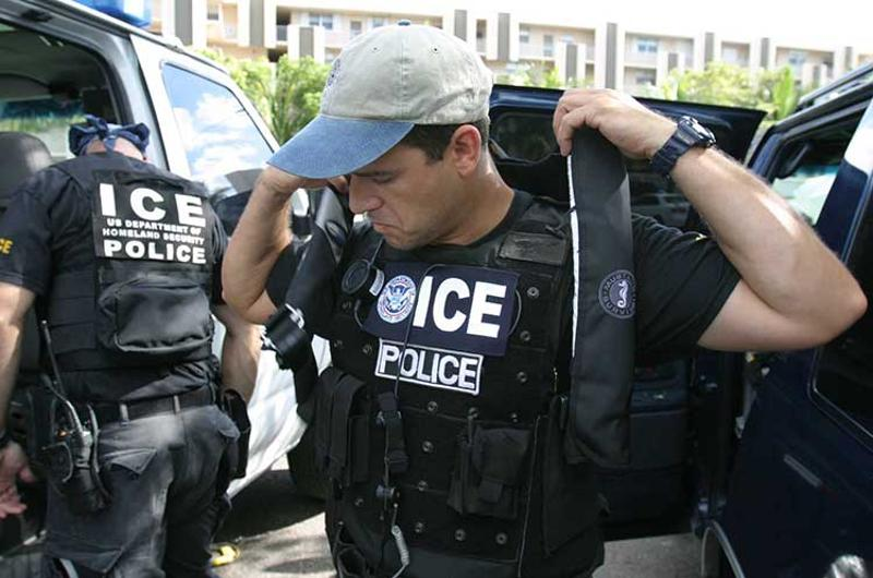 ice police agents