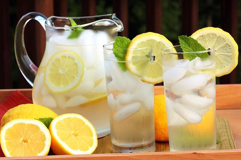 lemonade pitchers