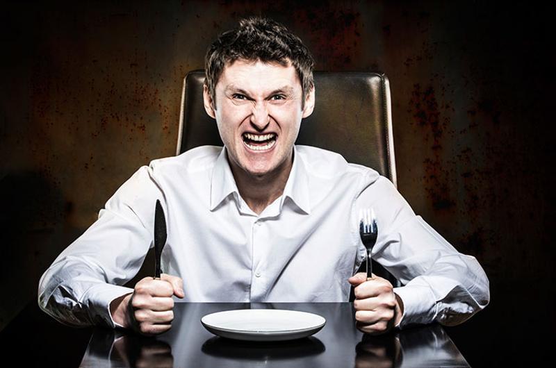 mad restaurant customer