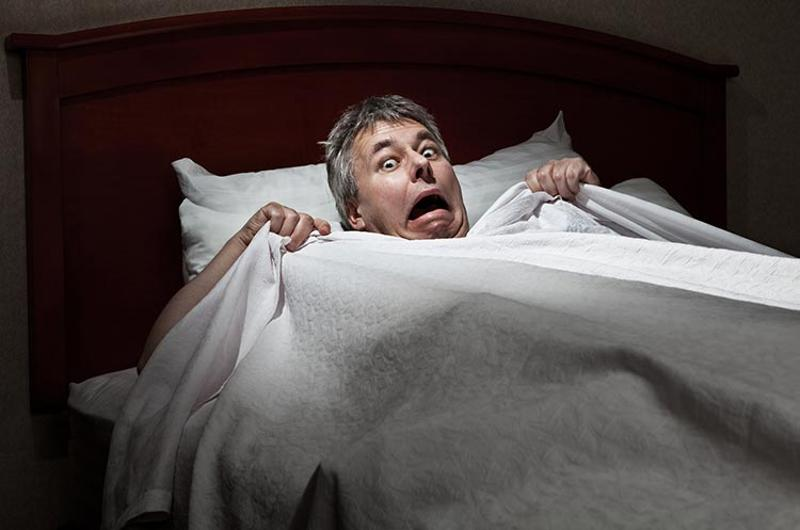man bed nightmare