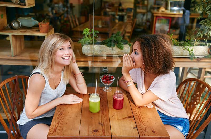 millennial women juice bar