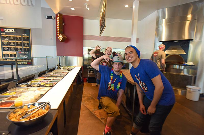 mod pizza bar employees