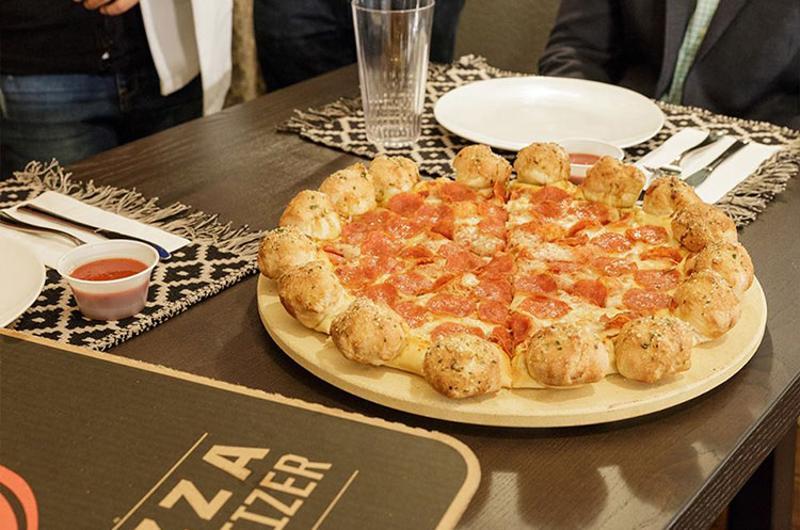 pizza hut garlic knots pizza