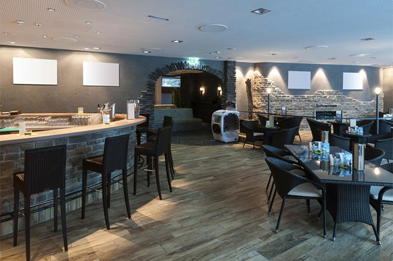 restaurant interior seating