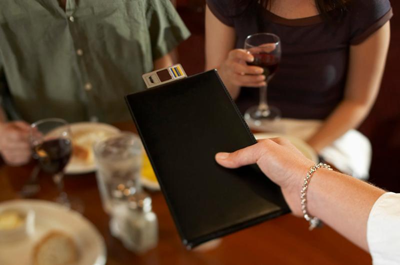 restaurant pay check