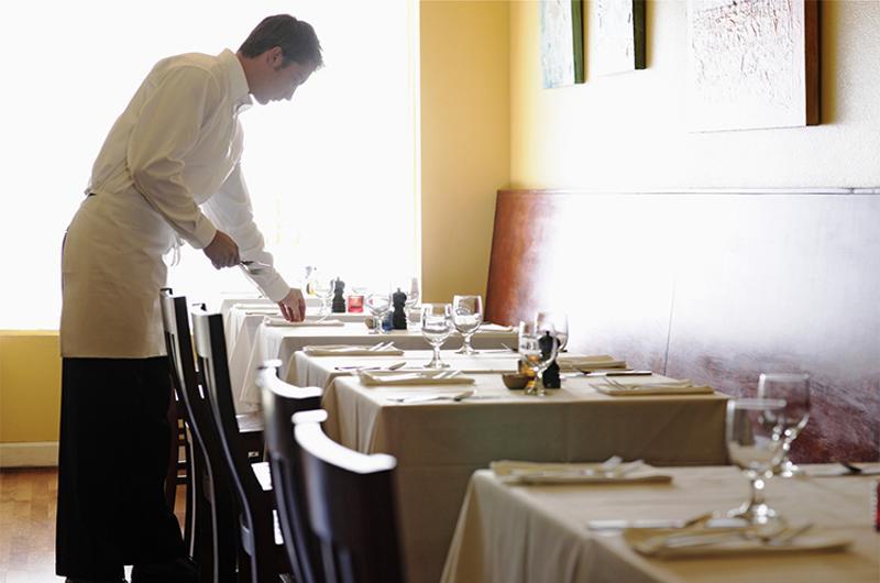 restaurant waiter table