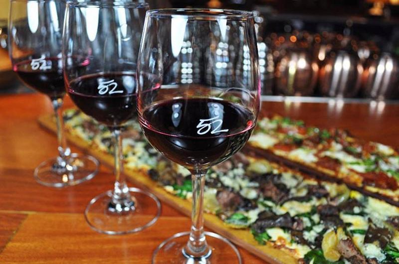seasons 52 wine flatbread
