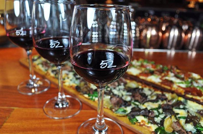 seasons 52 wine flatbread