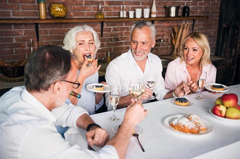 seniors boomers dining