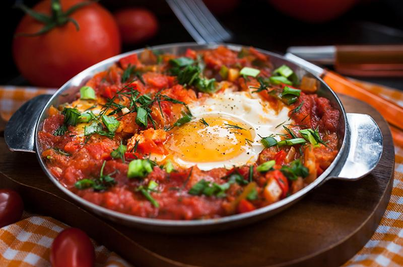 shakshuka egg tomato