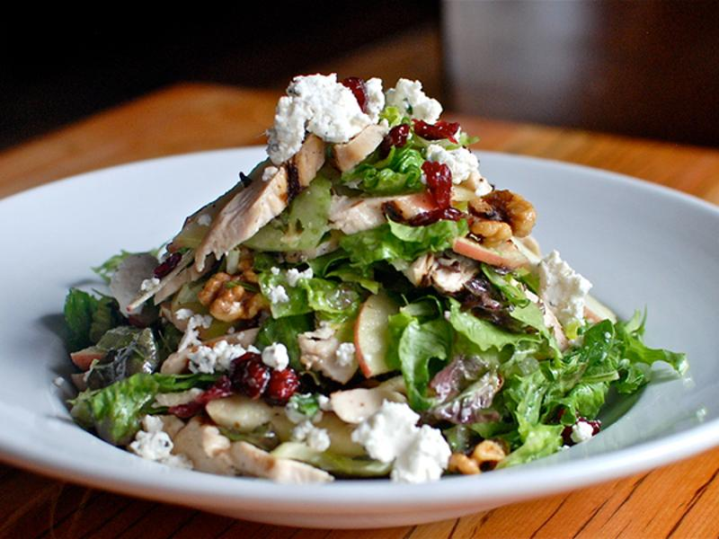 Simmzy's restaurant Chicken Walnut Salad