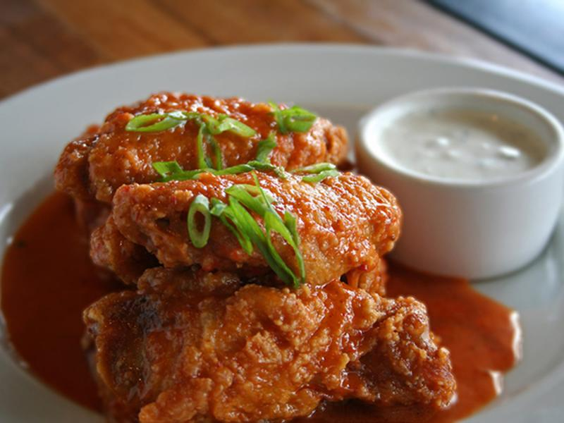 Simmzy's restaurant wings