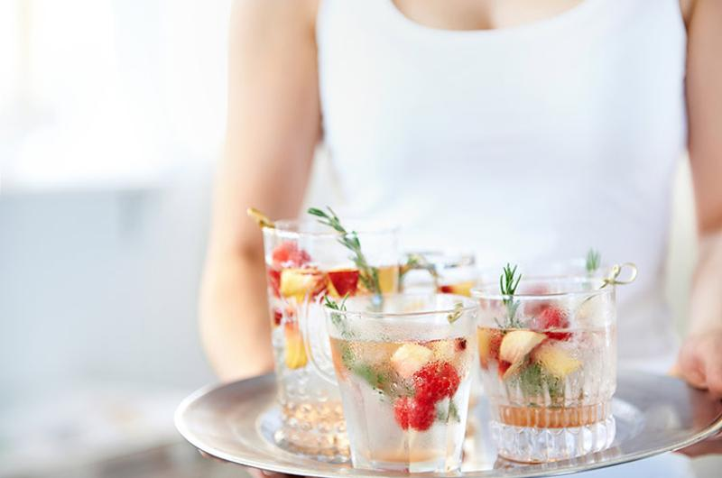 sparkling water fruit mocktail