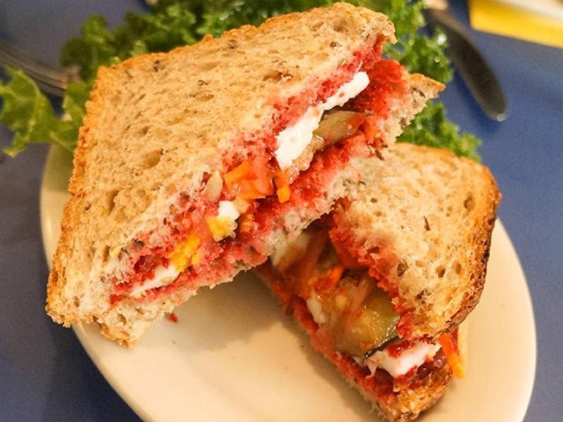 Dimes Spicy Beet Sandwich
