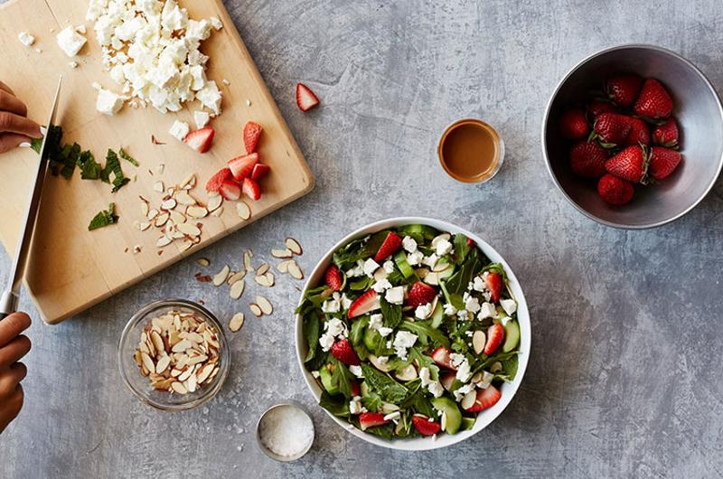 sweetgreen strawberry salad