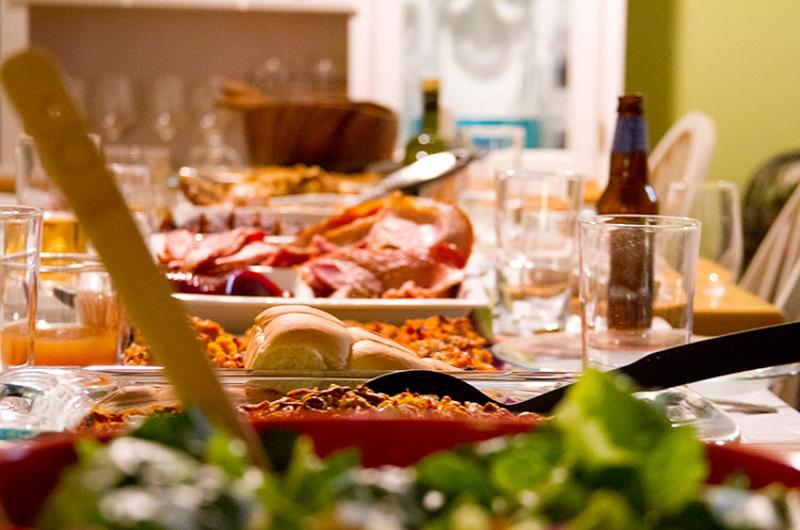 thanksgivingg table food