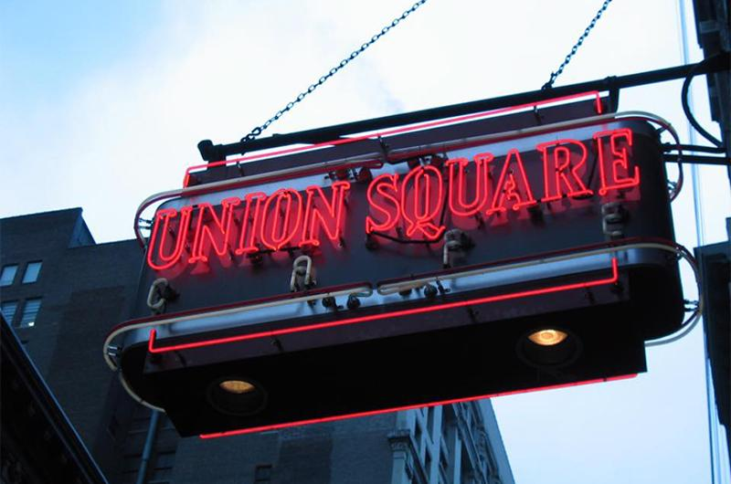 union square cafe sign