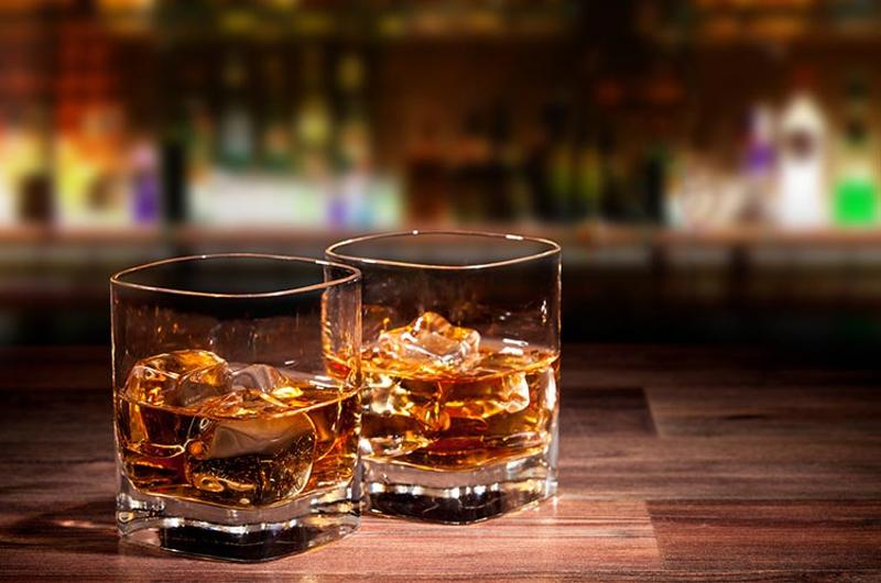 whiskey glasses bar